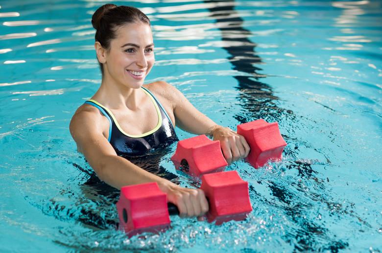 Program uwzględnia różne formy rehabilitacji fizycznej m.in. ćwiczenia w wodzie