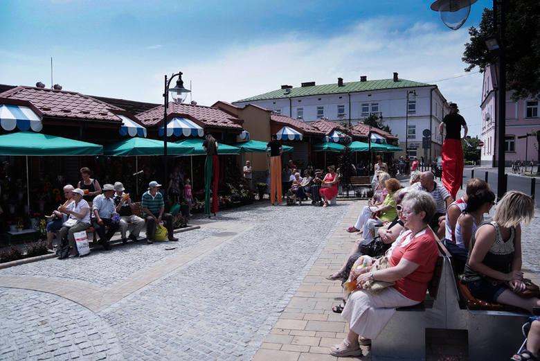 Odsłonięcie rzeźby Kataryniarza w Tarnowie.