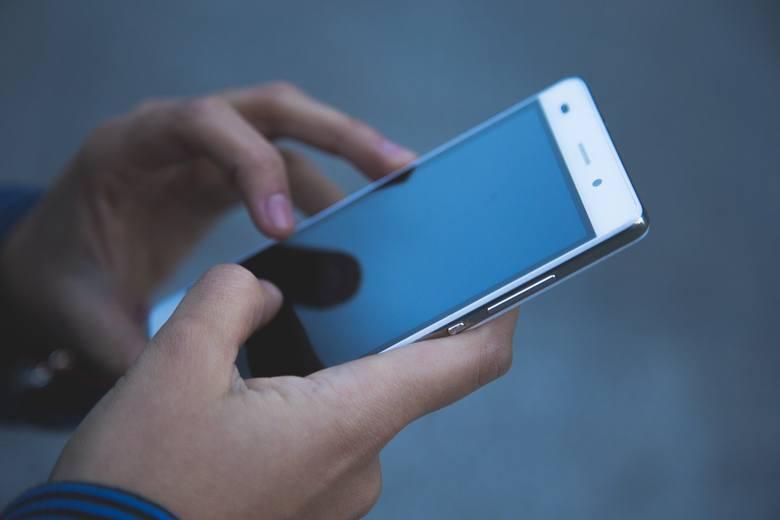 Większość sklepów z elektroniką organizuje wielkie wyprzedaże smartfonów z okazji Cyber Monday. Wiele modeli telefonów przecenionych jest nawet o 600