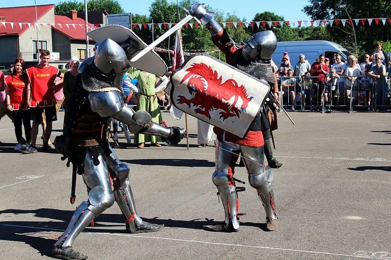 W tym roku Białogard był gospodarzem tradycyjnej już i legendarnej zarazem Bitwy o krowę. Zobaczcie zdjęcia! Zobacz także: Bitwa o krowę w Świdwinie