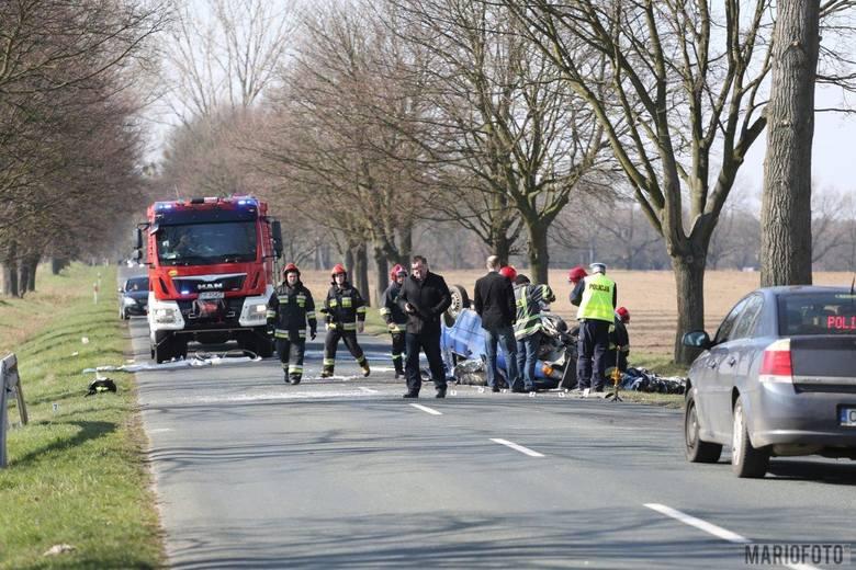 Jak wynika ze wstępnych ustaleń pracujących na miejscu policjantów, do wypadku doszło w chwili kiedy kierujący fiatem uno zaczął skręcać w lewo. W tym
