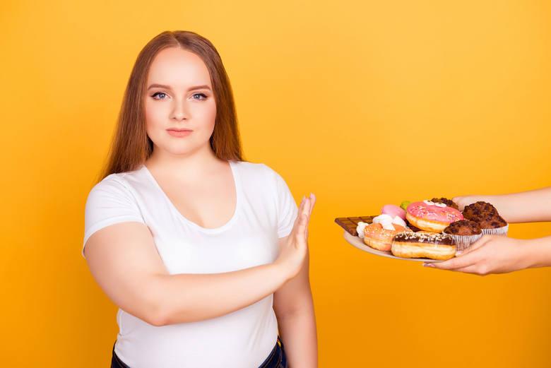 Cukier uzależnia, dlatego tak trudno zerwać z sięganiem po słodycze. Aby lepiej zrozumieć mechanizm nałogu, trzeba przyjrzeć się temu, jak konsumpcja