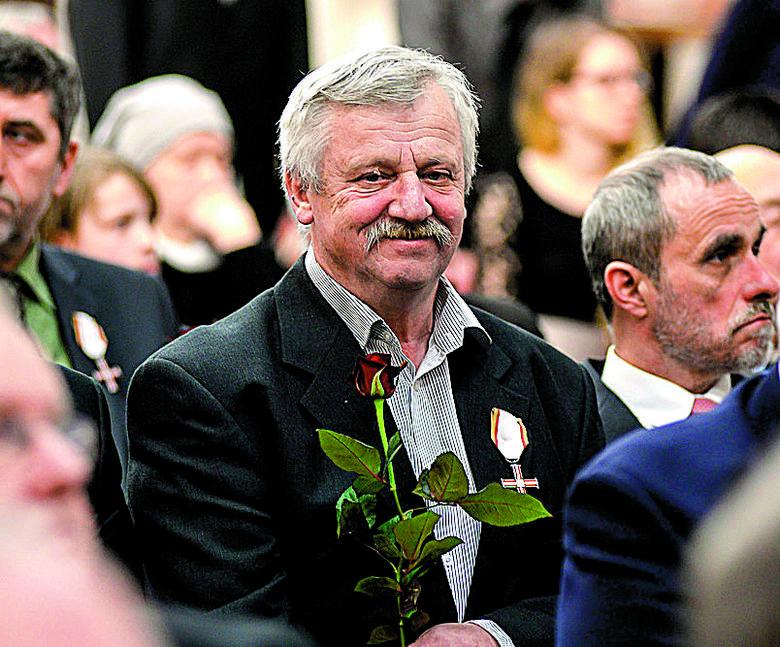 Spalenie Komitetu Wojewódzkiego PZPR w Gdańsku stało się jednym z symboli robotniczej rewolty z grudnia 1970 r.
