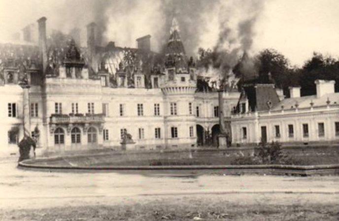 W maju 1945 roku zakończyła się II wojna światowa, trwała od roku 1939 i zabrała miliony ofiar. Jak te lata przebiegały w Kozienicach? W pobliżu, 10
