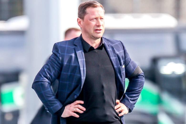 Podopieczni trenera Dariusza Banasika (na zdjęciu) w środę, 14 kwietnia odrobią jedną z dwóch zaległości ligowych z Puszczą w Niepołomicach. Początek