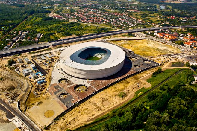 Wrocław: Dziura przy stadionie na sprzedaż. Nie będzie galerii Śląska