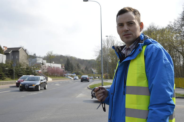 Nad dokładnym przebiegiem eksperymentu czuwał miejski inżynier ruchu Rafał Krajczyński
