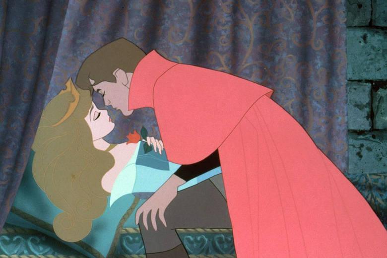 Książę, który wybudza swą wybrankę ze snu pocałunkiem to motyw, który bardzo głboko zapisał się w kulturze.Jego źródłem jest oczywiście baśń o Śpiącej