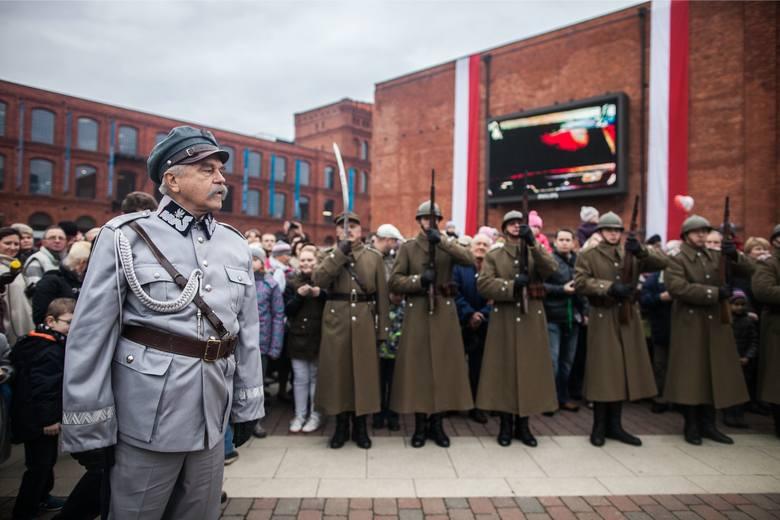 """Które szkoły w Łodzi i w regionie dały swoim uczniom wolne w dniach 12-13 listopada 2020 - czyli """"długi weekend niepodległościowy""""?"""