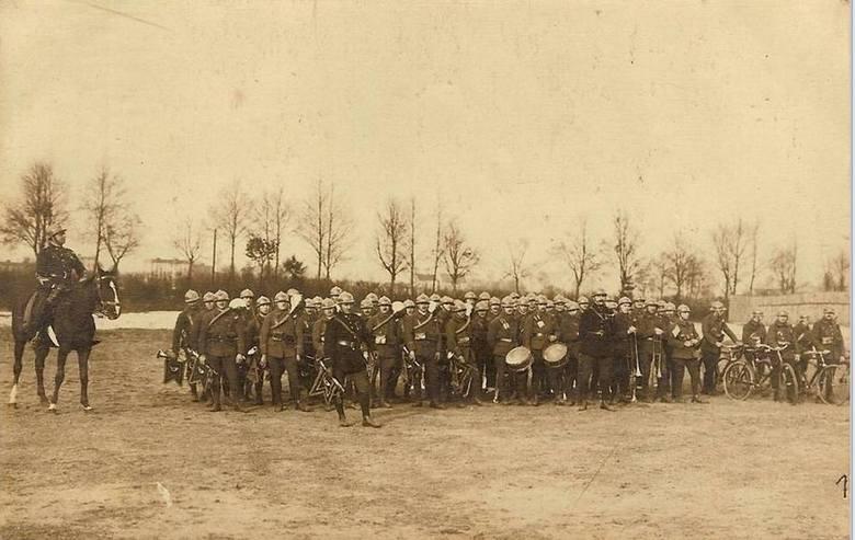 Wojska francuskie stacjonujące w Kluczborku podczas plebiscytu. Francuska piechota była w naszym mieście od 6 lutego do 5 maja. Po wybuchu powstania