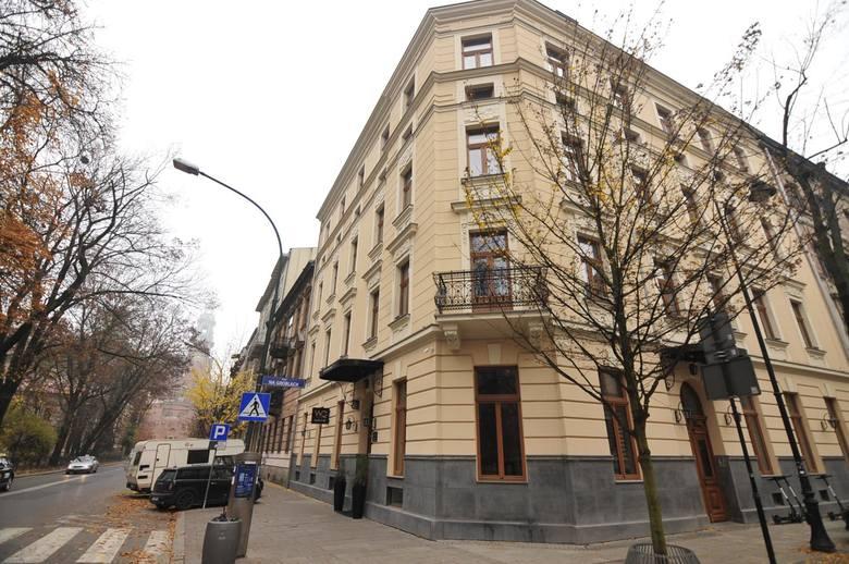 Za metr kwadratowy lokalu przy ul. Straszewskiego  trzeba średnio zapłacić 14 684 zł.