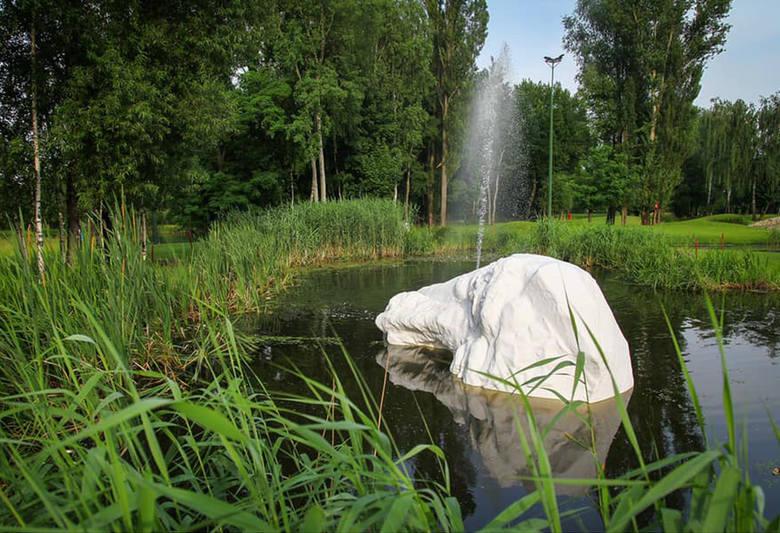To ostatnie dni, kiedy można zobaczyć w Pabianicach tę rzeźbę ZDJĘCIA