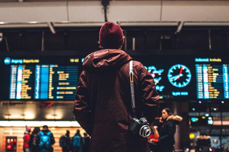 Jak wynika z badania Monitor Rynku Pracy firmy Randstad, 76% Polaków nie zamierza wyjechać do pracy za granicę. Jakie są główne powody, które powstrzymują