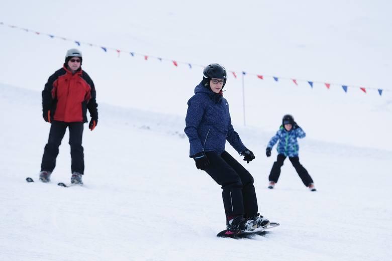 W niedzielę rozpoczął się nowy sezon narciarski 2019 na stoku Przemyślu. Narciarze szusują w tym miejscu już 14 sezon w historii.Zobacz także: Prezydent