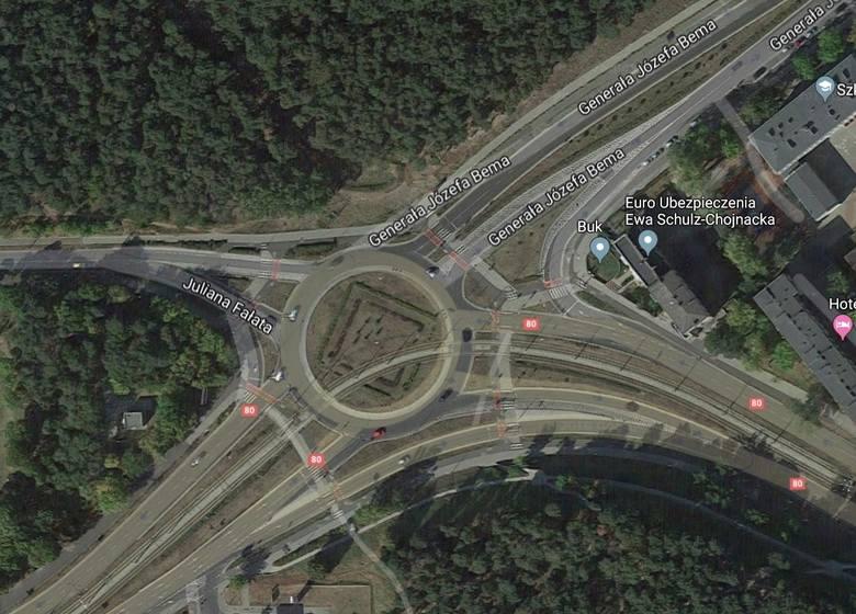 W przyszłym roku czekają nas istotne zmiany na placu Hoffmanna, czyli skrzyżowaniu ulic Kraszewskiego, Bema i Fałata.SZCZEGÓŁY NA KOLEJNYCH STRONACH