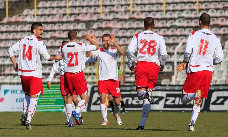Pierwszego gola dla ŁKS zdobył Kamil Późniak (w środku)