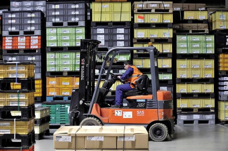 GEFCO, międzynarodowa firma zajmująca się logistyką dla przemysłu i logistyką motoryzacyjną kończy wielką inwestycję pod Wrocławiem. W Psarach (gmina