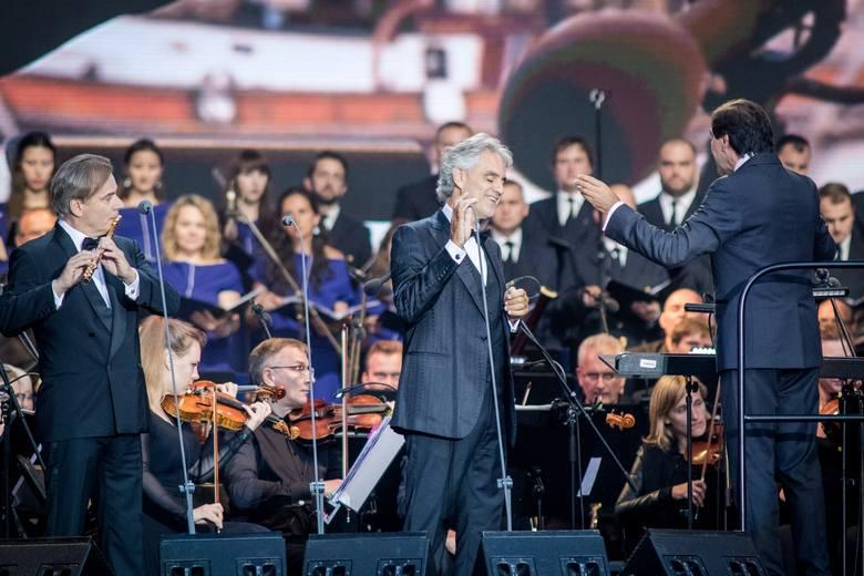 Andrea Bocelli od wielu lat jest najlepiej sprzedającym się śpiewakiem operowym na świecie, a jego albumy sprzedały się łącznie w zawrotnym nakładzie ponad 80 milionów egzemplarzy na całym świecie.