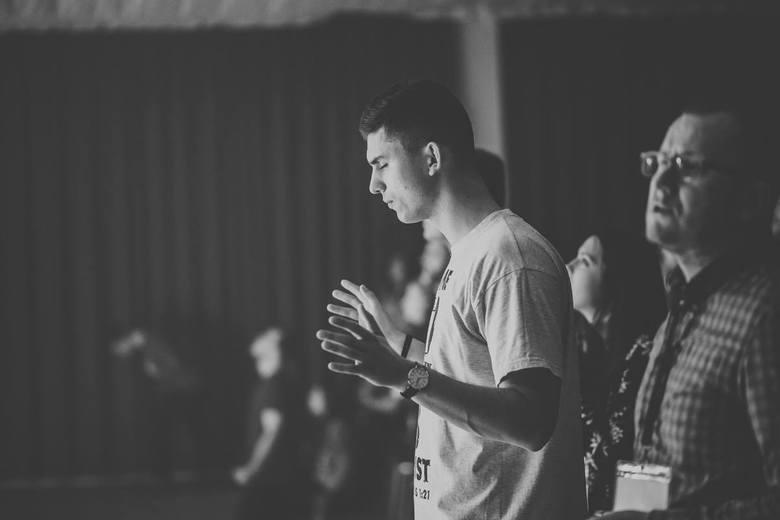 Przez jego ręce działa Jezus. Ludzie odzyskują zdrowie [GALERIA]