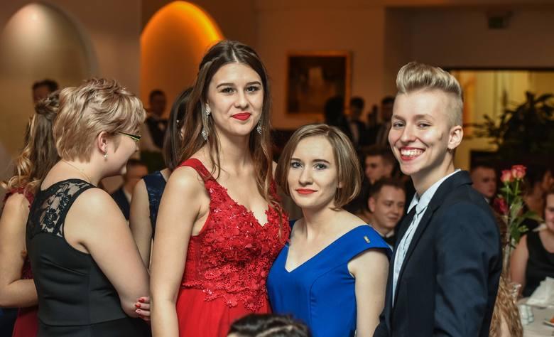 W nocy z 5 na 6 stycznia 2018 bal studniówkowy (w Hotelu City) zorganizował Zespół Szkół Chemicznych w Bydgoszczy. Panie zachwyciły pięknymi kreacjami,