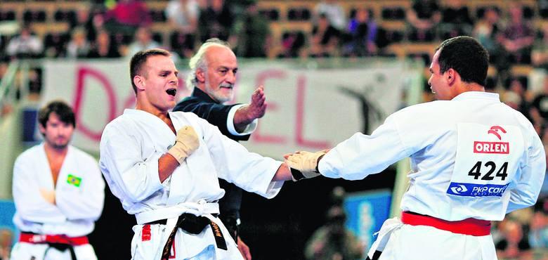 Damian Stasiak wywalczył złoty medal w kumite drużynowo i srebrny indywidualnie.