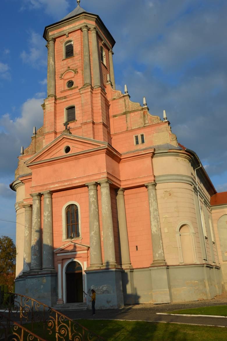 Pasjonaci historii ratują mauzoleum w Kopicach