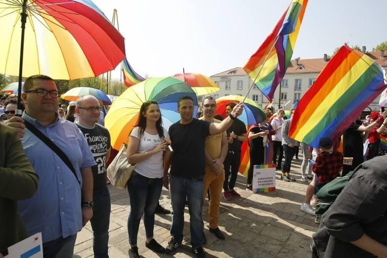 Łódź przeciw przemocy. Pikieta poparcia dla społecznośc LGBT w czwartek o godz. 19 na Piotrkowskiej