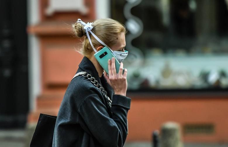 Czy wróci obowiązek noszenia maseczek na ulicach?