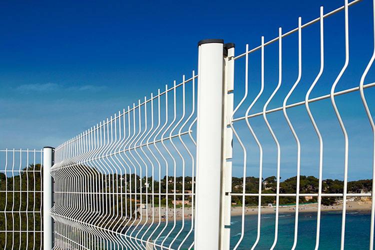 Produkcja paneli i siatek ogrodzeniowych, montaż ogrodzeń