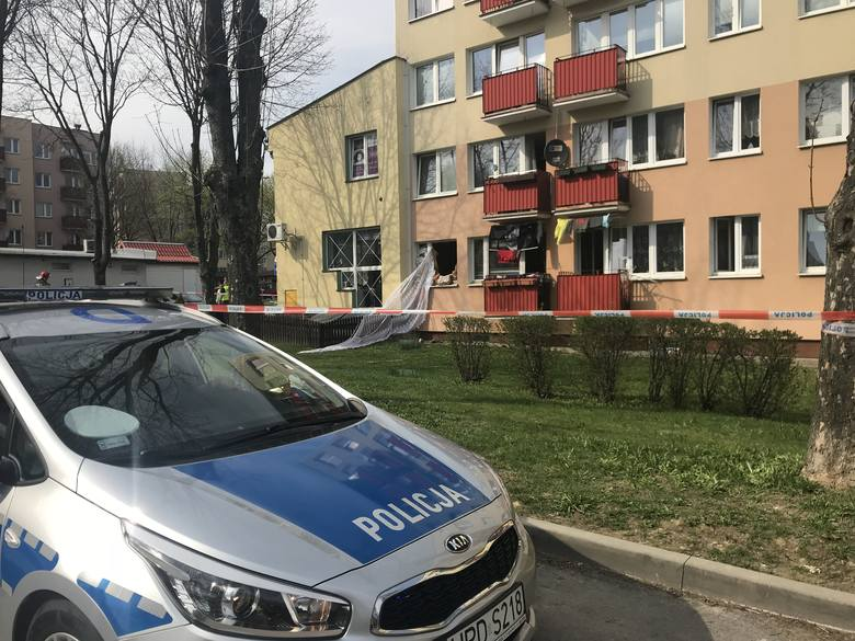 Wybuch w mieszkaniu przy ulicy Hallera w Świdniku. Oblał kobietę łatwopalną cieczą?