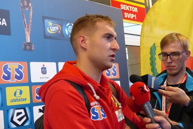 Bartosz Kwiecień w środę miał sfinalizować rozmowy z Koroną i podpisać kontrakt. Do kieleckiego klubu miał być wypożyczony na rundę wiosenną z Jagiellonii