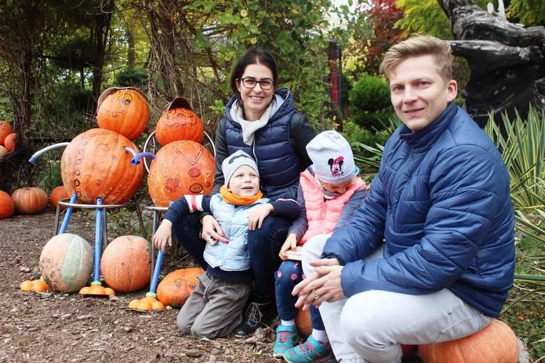 Już piąty raz Krystyna i Józef Jednorowicz zaprosili mieszkańców całej okolicy na październikowe Święto Dyni.Uczestnicy niedzielnego święta mieli okazję