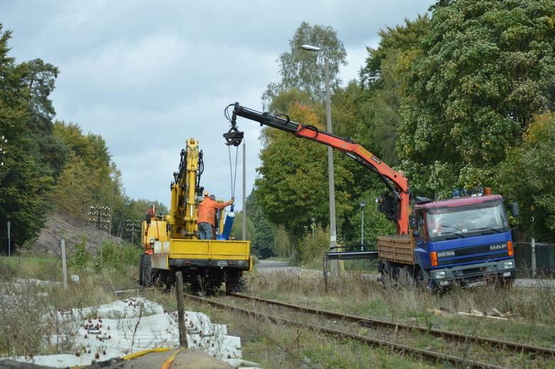 Trwa przebudowa linii kolejowej z Ustki do Szczecinka. Także na stacji Kępice (zdjęcia)