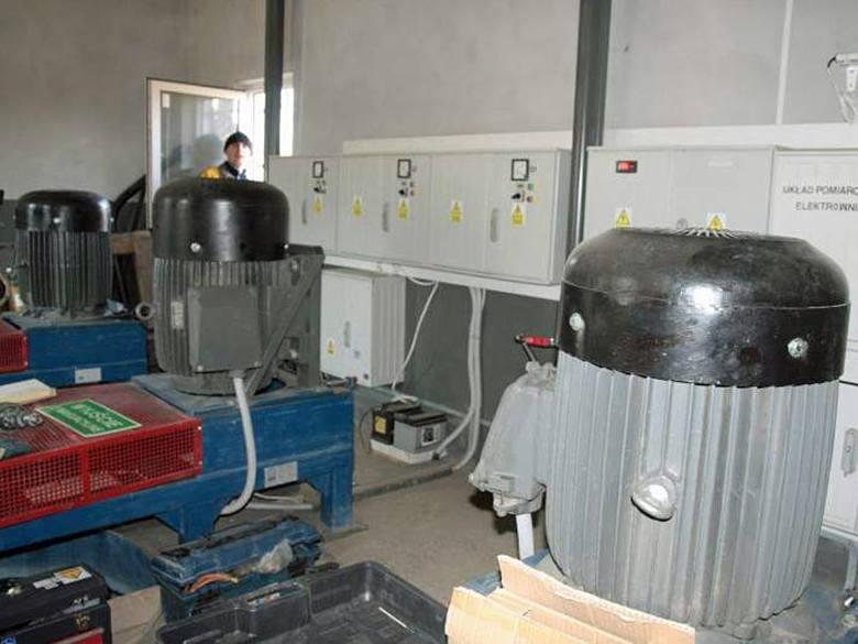 Turbiny już produkują energię elektryczną – cieszy się Piotr Duchalski. Przedsiębiorca uważa, że takich obiektów jak ten w Przeworsku powinno na Podkarpaciu