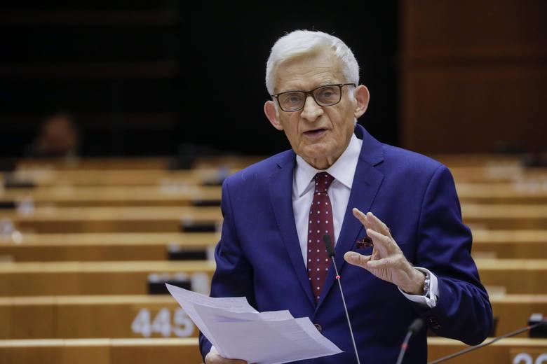 """Jerzy Buzek: """"To początek końca monopolisty, jakim był Gazprom na rynku europejskim"""""""