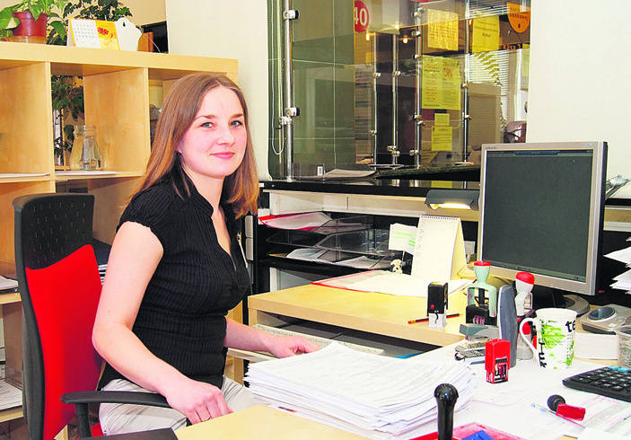 - Każda z urzędniczek pracujących w obsłudze bieżącej przyjmuje obecnie codziennie około 200 zeznań - mówi Kamila Pawlicka.