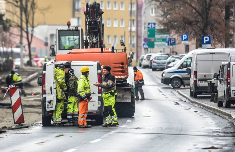 Zobacz, gdzie w Bydgoszczy prowadzone są budowy, remonty i inwestycje drogowe. Te miejsca warto omijać, bo w ich okolicy tworzą się większe korki niż
