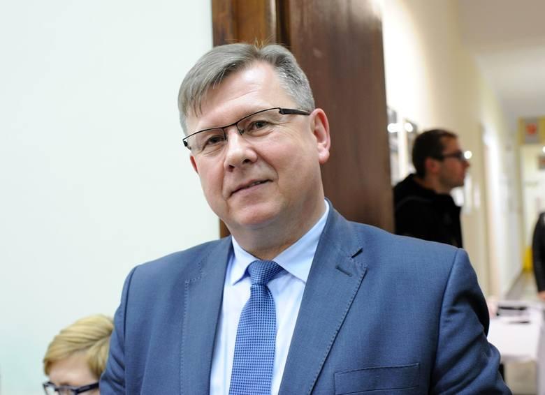 Witold Kozłowski nie został radnym, ale radni PiS mają go wybrać na marszałka
