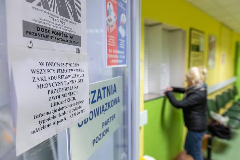 23 września rozpoczął się ogólnopolski strajk rehabilitantów i diagnostów laboratoryjnych. Fizjoterapeuci w wielu placówkach opieki zdrowotnej przebywają
