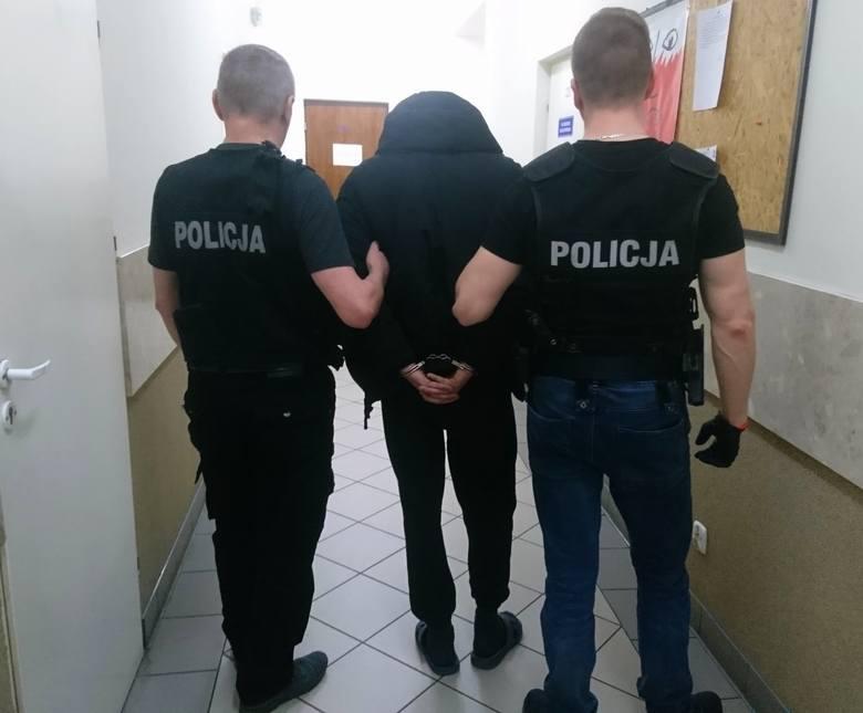 Policjanci z Komendy Powiatowej Policji w Sokółce zatrzymali dwóch mężczyzn podejrzanych o kradzież z włamaniem.