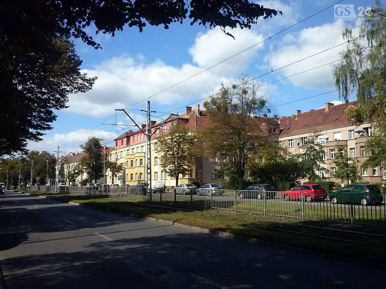 Pogodno jako całośćPrzez wielu uchodzi za najpiękniejszą dzielnice willową w Polsce. Warto wybrać się tu na spacer. Można chodzić wąskimi uliczkami godzinami
