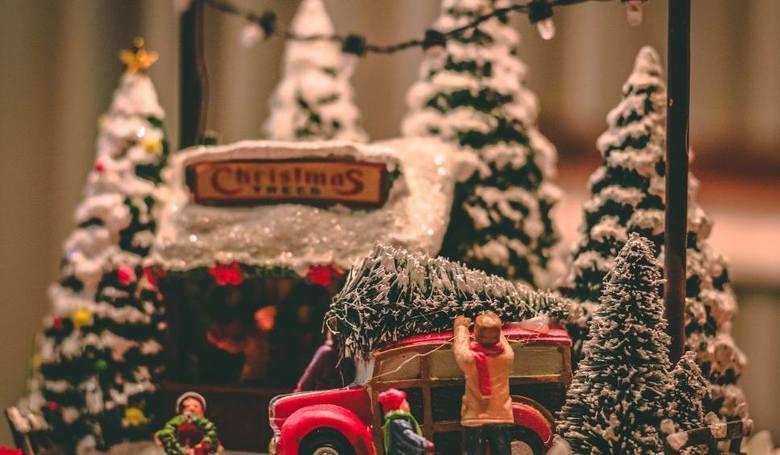 Życzenia świąteczne: Boże Narodzenie 2019 - krótkie i rymowane wierszyki. Poważne życzenia na kartkę, wesołe SMS