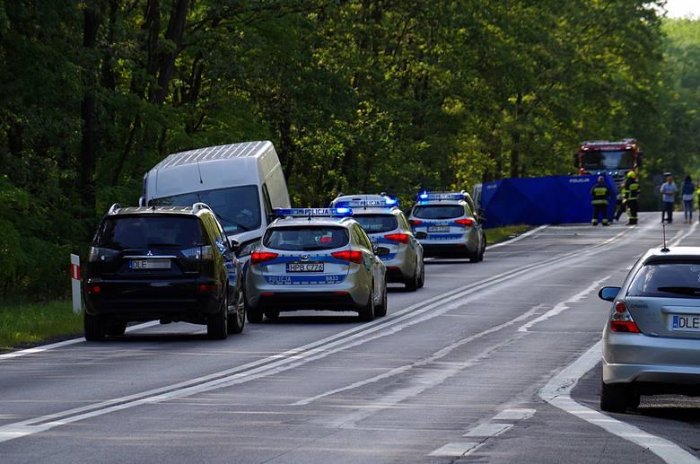 Tragiczny wypadek na drodze nr 94. Pięć osób rannych, jedna nie żyje