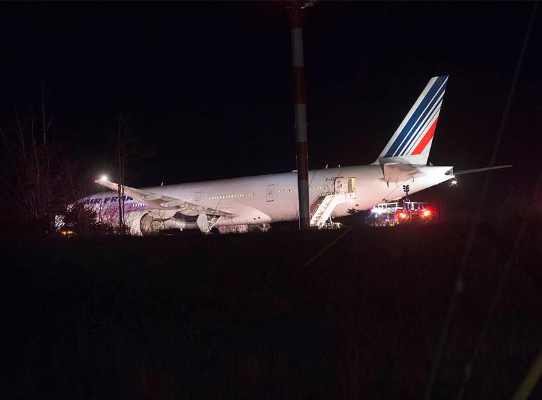 Samolot Air France na lotnisku w Halifaksie