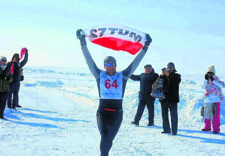 Wygrał maraton na Antarktydzie, teraz innych zachęca do biegania