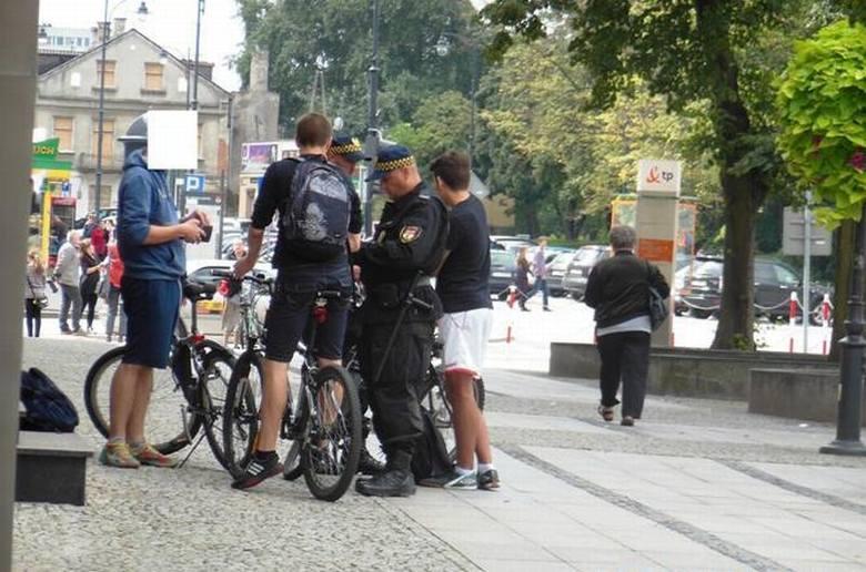 Straż miejska sprawdzała rowerzystów (zdjęcia)