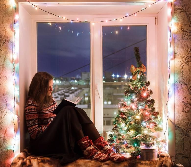 Życzenia świąteczne - śmieszne czy poważne? Przed każdymi świętami głowisz się, jakie życzenia bożonarodzeniowe powinieneś napisać? Świątecznych życzeń