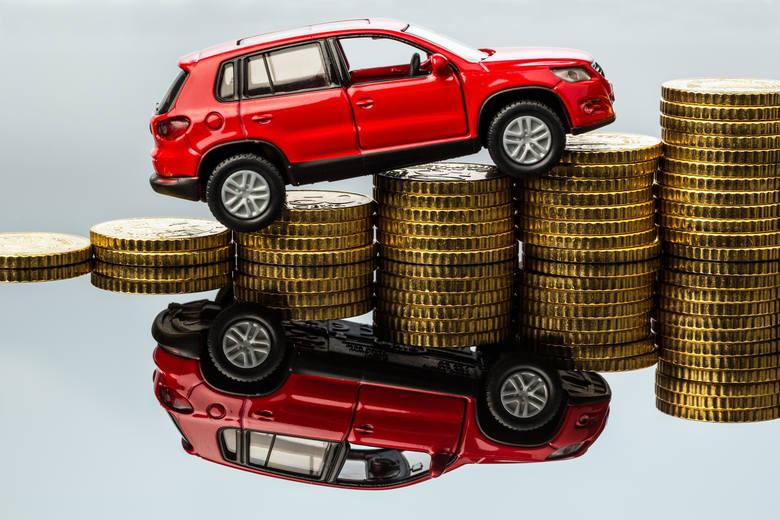 Wzięliśmy pod uwagę tylko te oferty, które miały podaną cenę, a samochody były sprawne. Sprawdźcie, za ile już możecie kupić samochód!