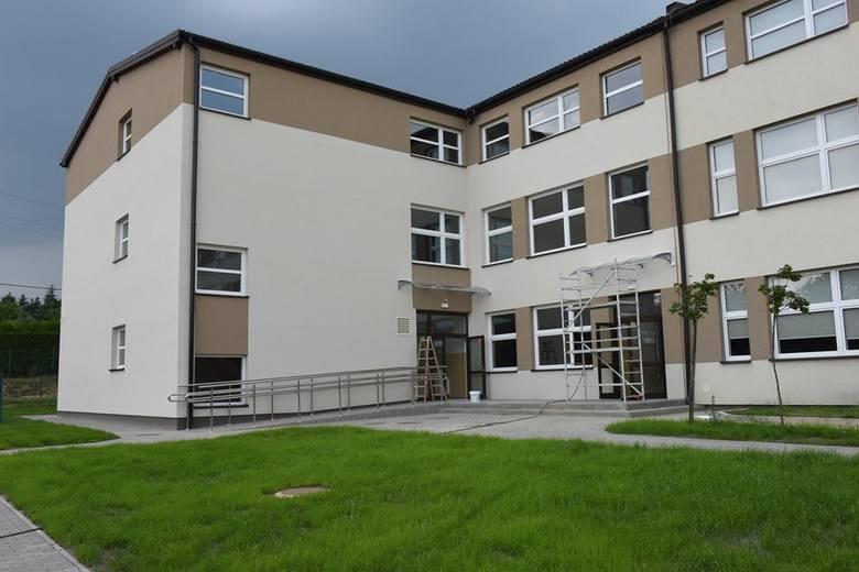 Wieliczka. Szkoła na osiedlu Krzyszkowice z nowym skrzydłem [ZDJĘCIA]