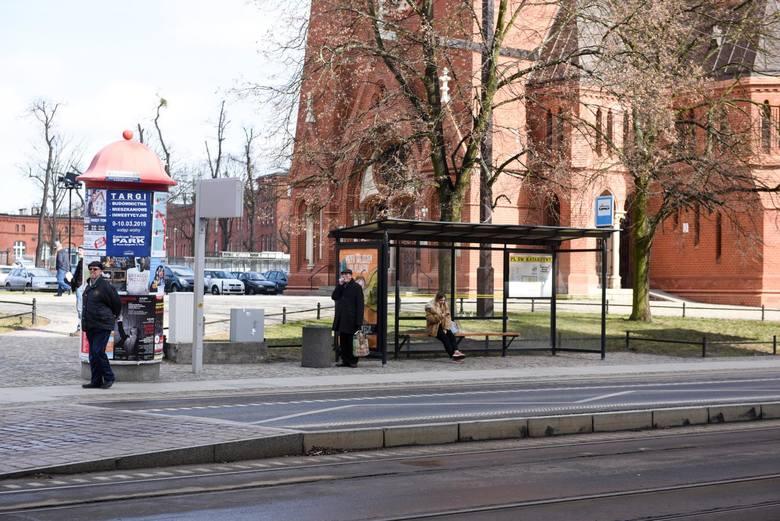 Ile jest w Toruniu przystanków tramwajowych?Łącznie w Toruniu mamy 93 przystanki tramwajowe, jednak z uwagi na modernizację torowisk obecnie nie wszystkie